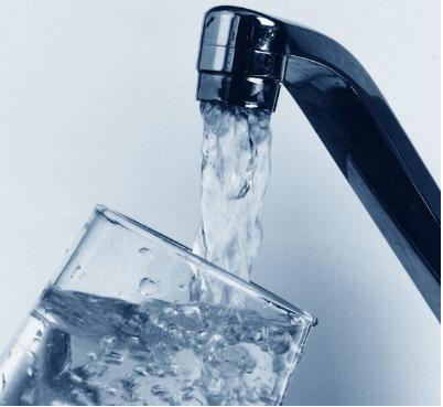 Tamim perd la bataille de l'eau en 2013