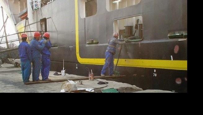 Premières vagues de départs de travailleurs au Qatar